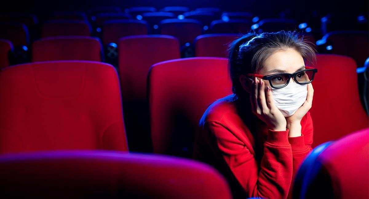 Tras seis meses de espera por la pandemia, las salas de cine reabrirán en Bogotá. Foto: Shutterstock