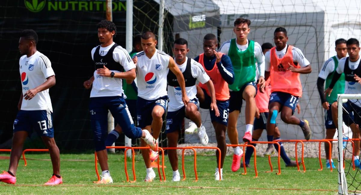 Millonarios entrenando en su sede al norte de Bogotá. Foto: Twitter @MillosFCoficial