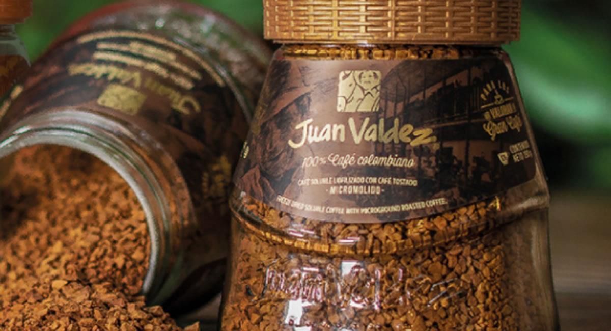 Los colombianos podrán volver a las tiendas de Juan Valdez y disfrutar de un postre con un 'tinto'. Foto: Twitter @JuanValdezCafe