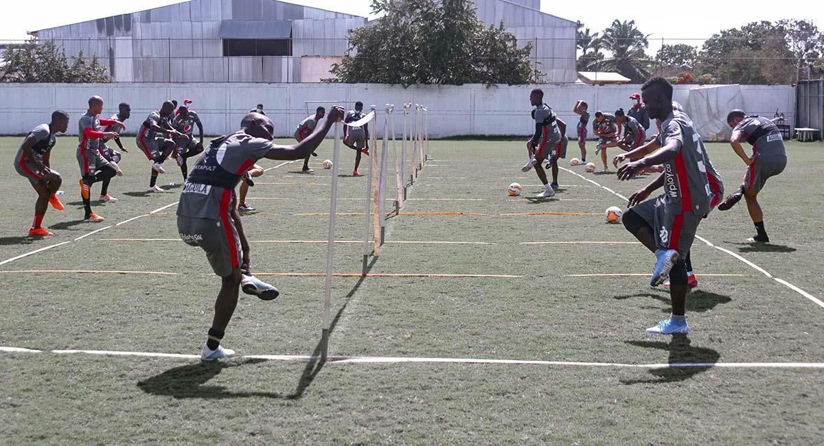 'Los Diablos Rojos' se preparan físicamente para alcanzar la victoria en Cali. Foto: Twitter / @AmericadeCali