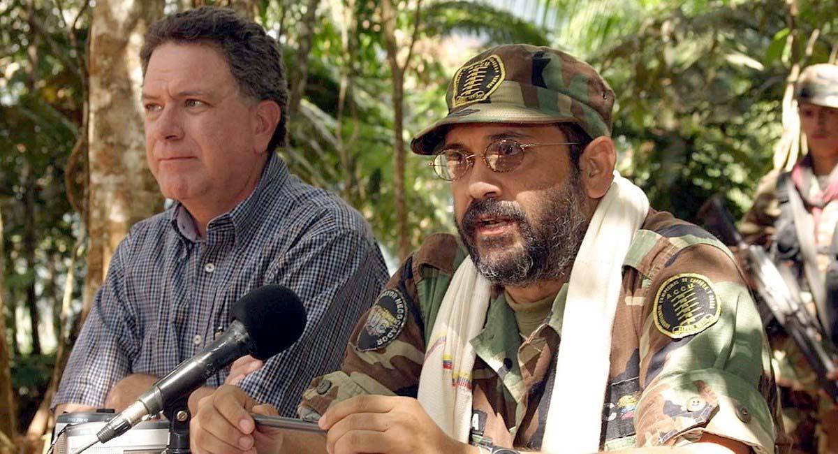 Alias 'Jorge 40' (d), exlíder de las Autodefensas Unidas de Colombia, en 2006. Foto: EFE
