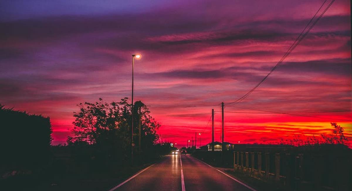 """Al caer la noche, en ciertos sectores de la ciudad se han escuchado """"cosas extrañas"""". Foto: Pexels"""