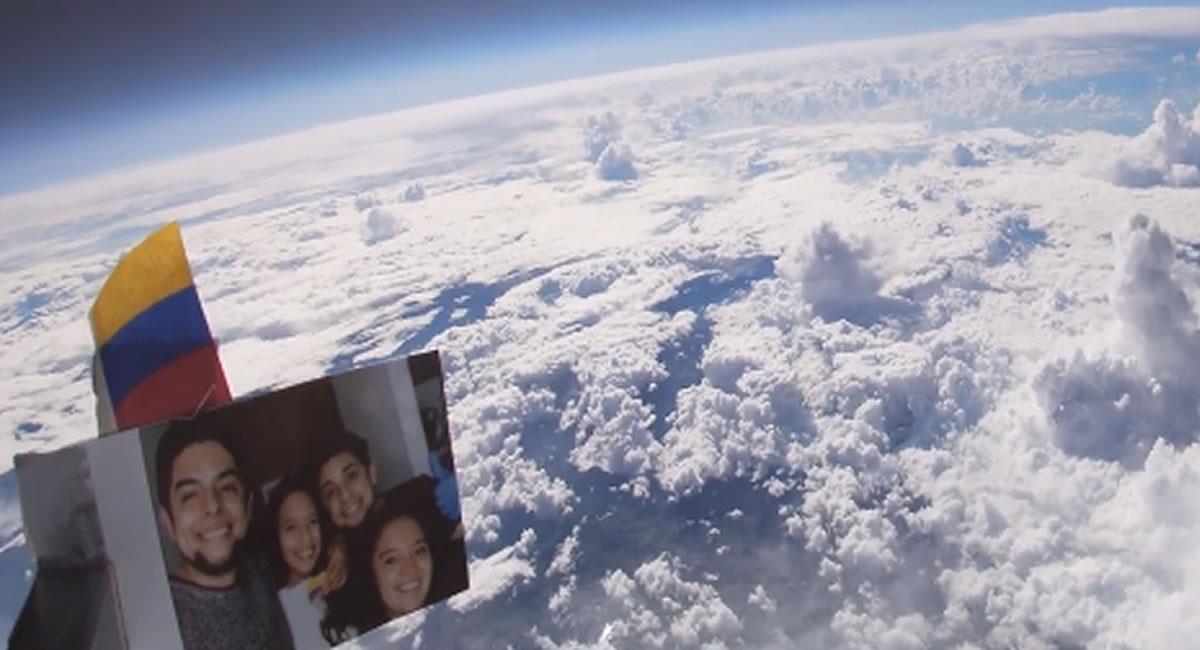 La 'cápsula' regresó a territorio nacional tras precipitarse desde el Espacio. Foto: Facebook @Faberburgos