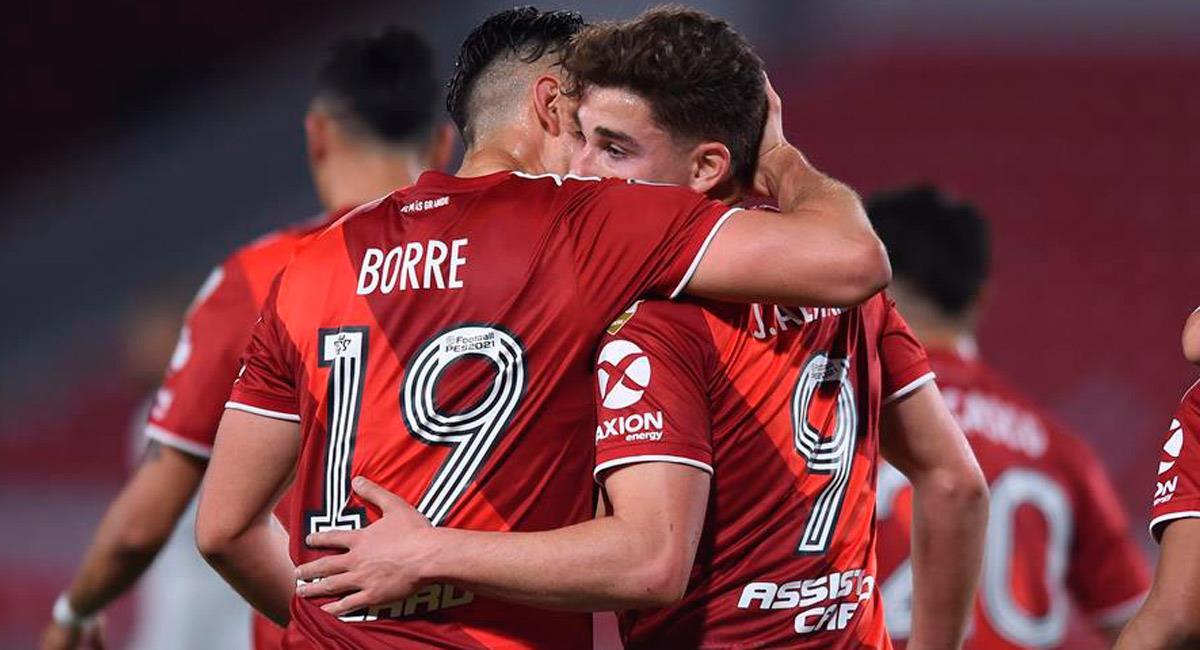 Con Santos Borré, River clasifica a octavos de Libertadores