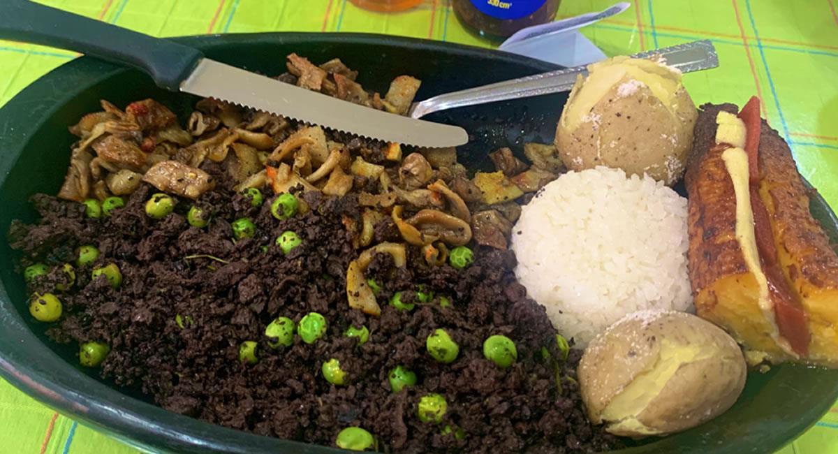 Las bebidas tradicionales y los platos típicos de cada región tienen ingredientes únicos. Foto: Twitter @CalleLaJeta