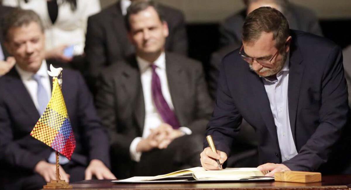 Rodrigo Londoño participó del proceso de paz entre el Gobierno nacional y las Farc. Foto: Twitter / @yjimenez13