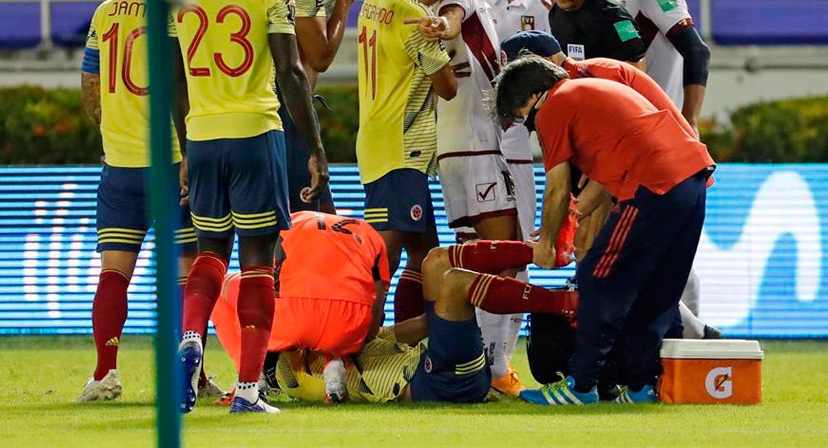 Santiago Arias se lesionó en el partido ante Venezuela. Foto: EFE