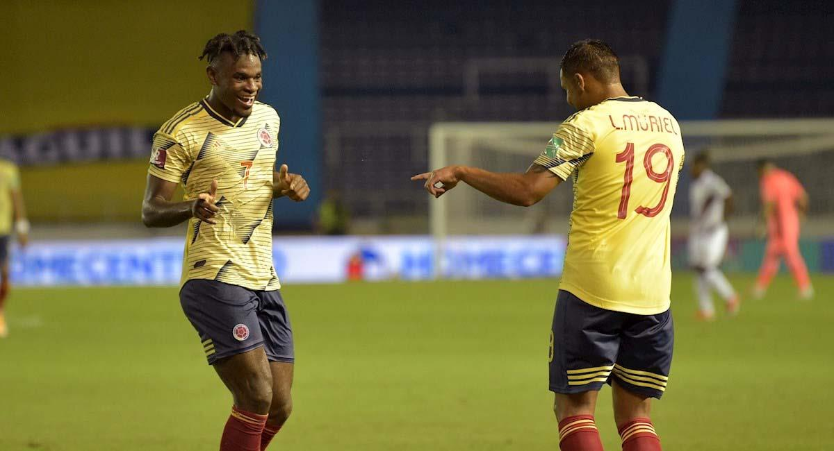 Duván Zapata y Luis Fernando Muriel celebran un gol frente a Venezuela. Foto: EFE