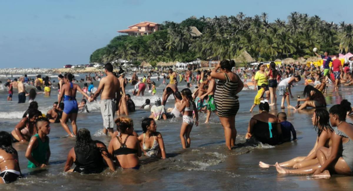 Autoridades tuvieron que cerrar algunas playas, por alcanzar los aforos permitidos. Foto: Twitter @Reytorre