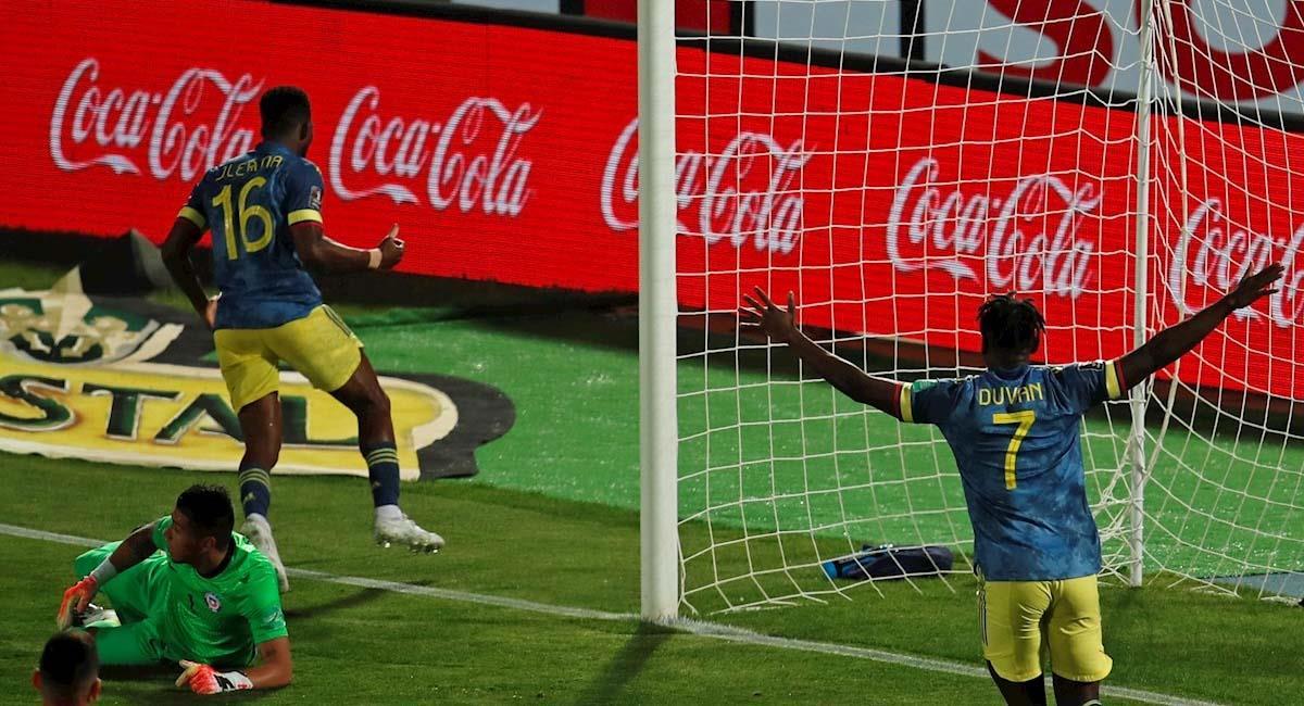Jefferson Lerma, (i) celebra su gol ante Chile. Foto: EFE