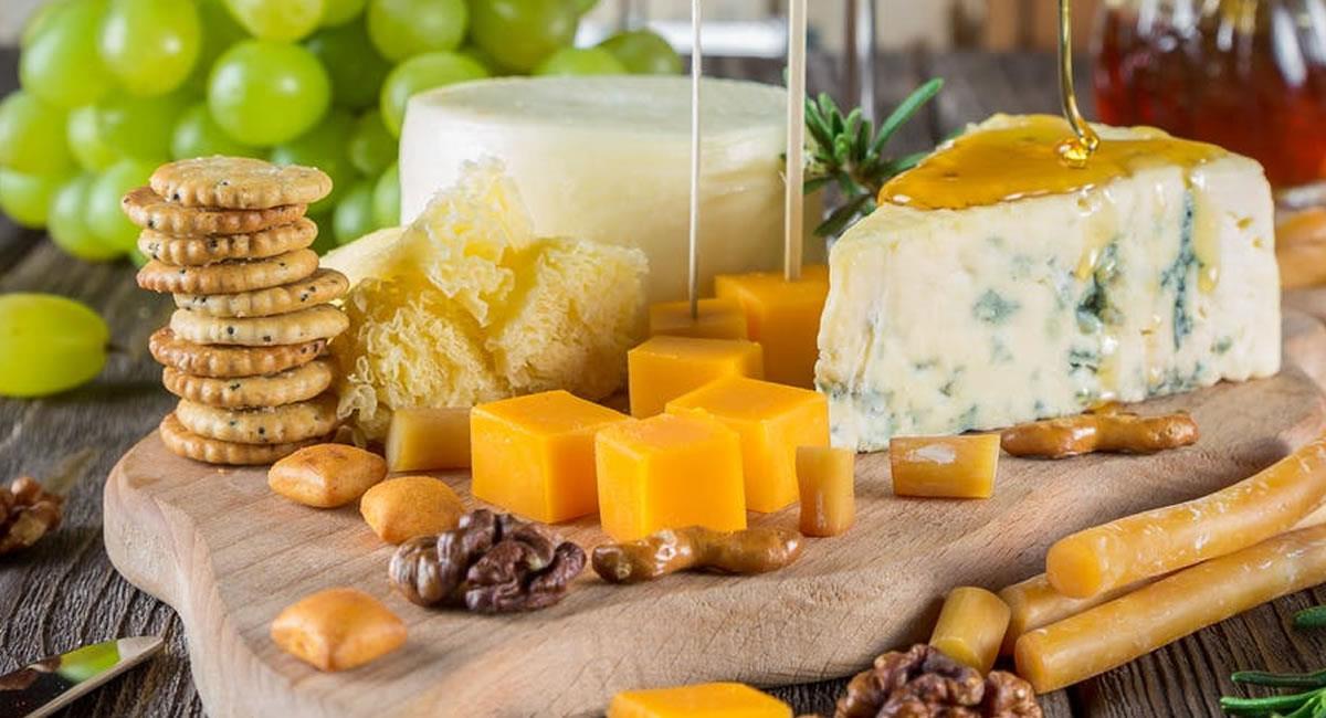 Los quesos, siempre serán una fuente de proteína con una carga deliciosa de sabor. Foto: Pexels