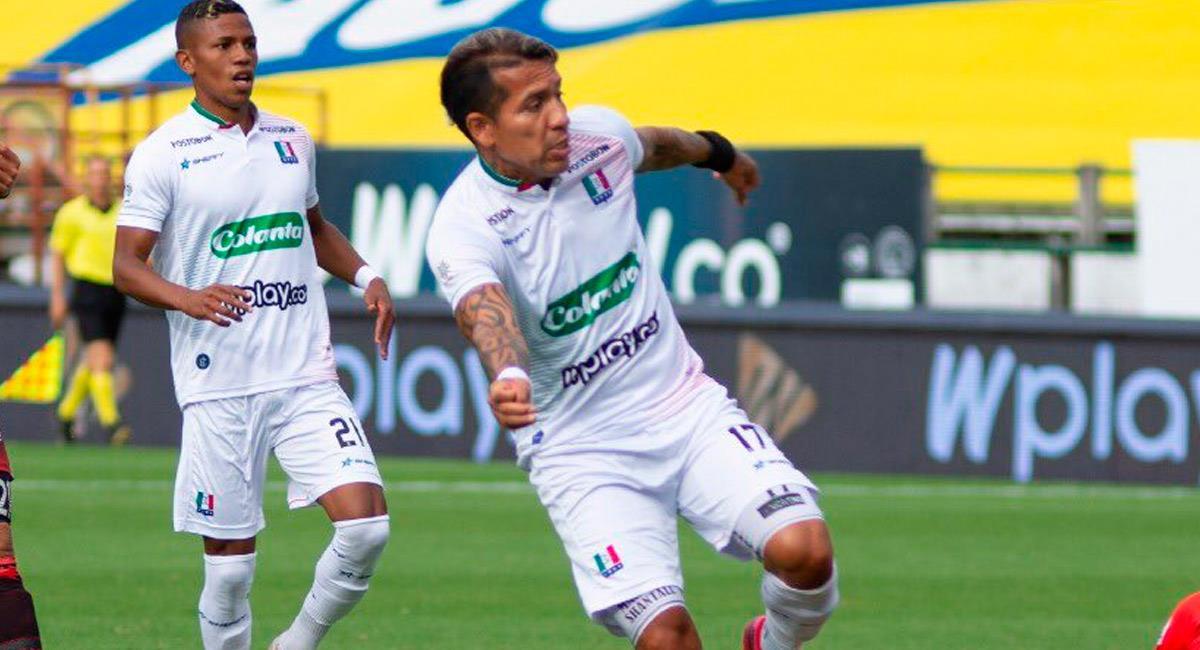 Dayro Moreno hizo 'pasegol' a Ovelar. Foto: Twitter @oncecaldas