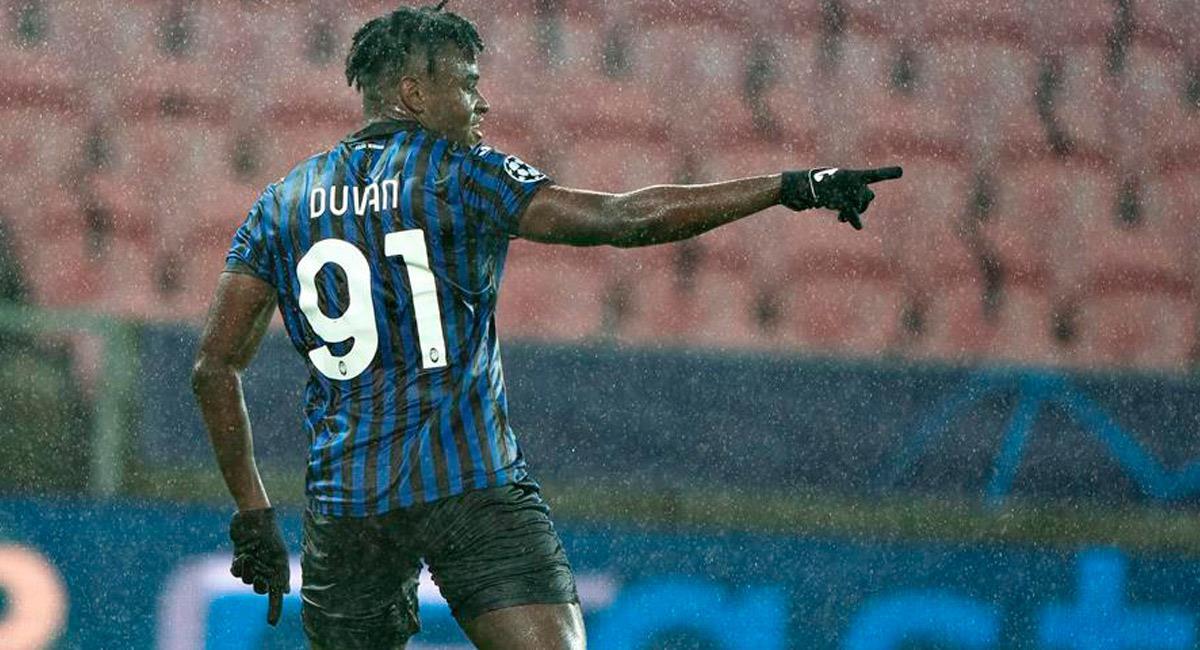 Duván Zapata celebra su gol en Champions League. Foto: EFE