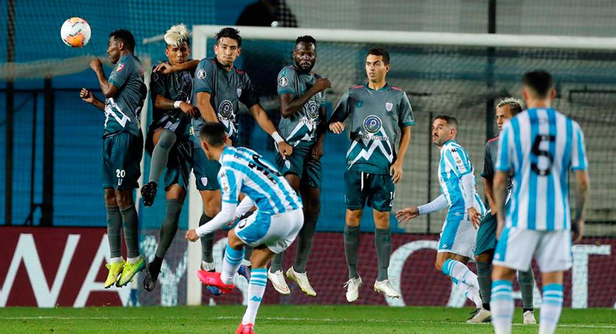 Así fue el golazo de Matías Rojas que le dio el triunfo a Racing en Copa Libertadores. Foto: EFE
