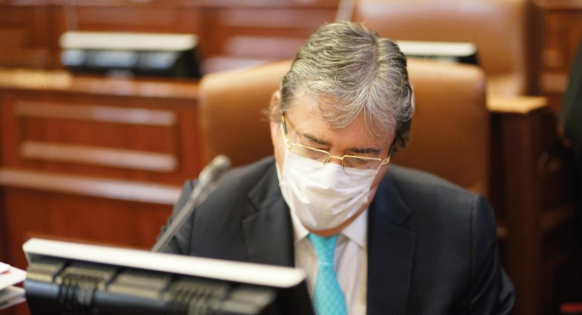 Avanza la moción de censura al Ministro Holmes. Foto: Twitter @mindefensa