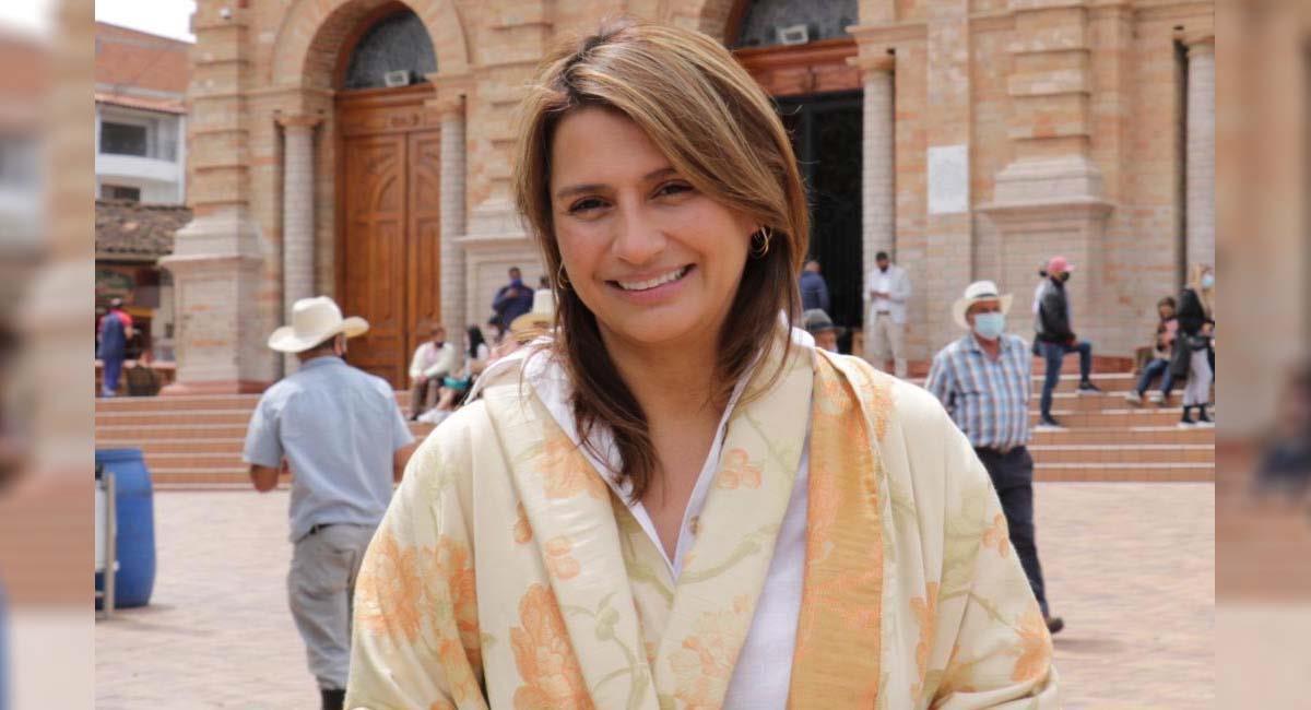 Paola Holguín, senadora del Centro Democrático. Foto: Twitter / @PaolaSenadora