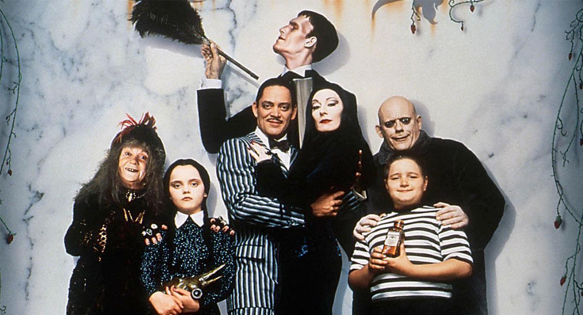 """""""La Familia Addams"""" tuvo una serie de exitosas películas en la década de los 90. Foto: Twitter @RedLegacyComics"""