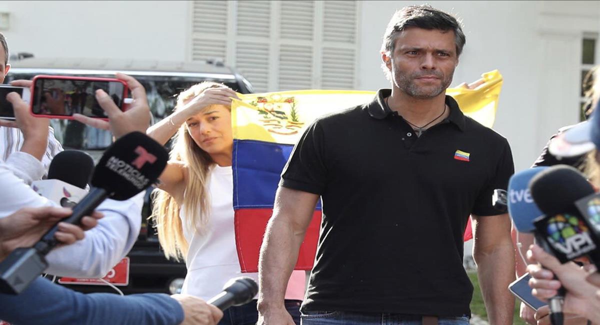 Leopoldo López abandonó la embajada de España en Caracas luego de un año y medio rumbo a Colombia. Foto: Twitter @santosjorgeh