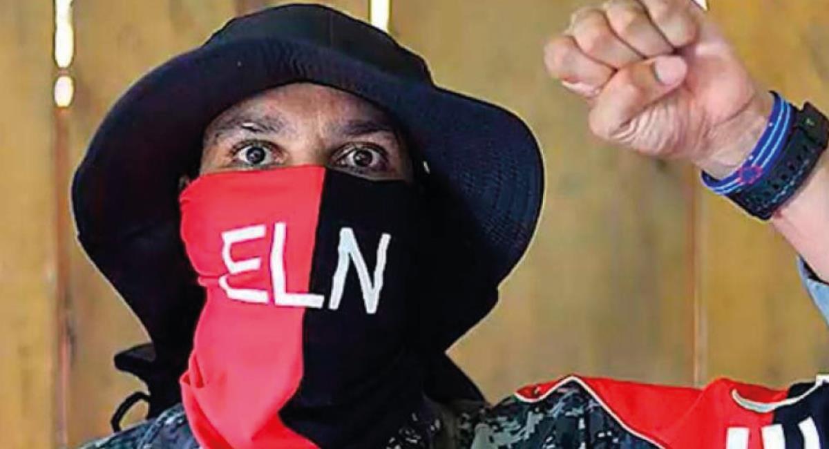 Alias 'Uriel' fue dado de baja en el operativo. Foto: Twitter @criticolombia