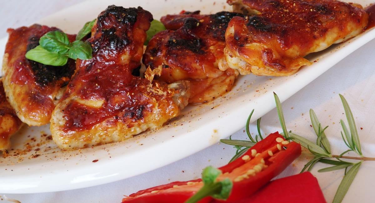 Así podrás preparar estas deliciosas 'alitas' de pollo en casa. Foto: Pixabay