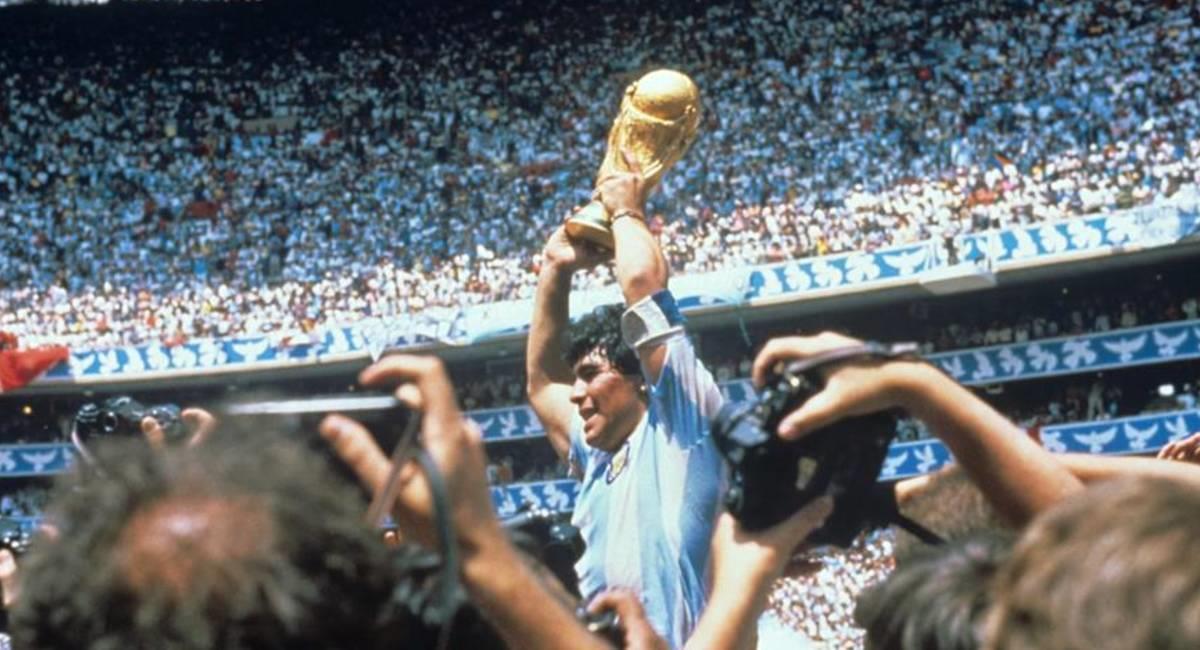 Maradona, campeón del mundo en 1986 con Argentina. Foto: EFE