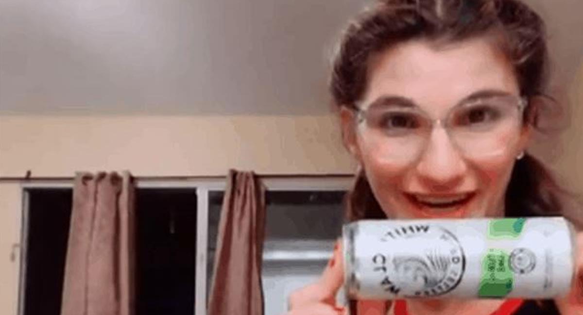 La bebida que promovía la mujer quedó en segundo plano, por una supuesta aparición. Foto: Facebook