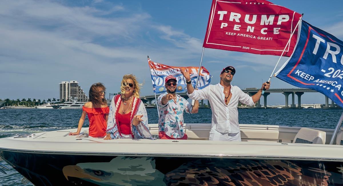 """""""Por Trump"""", el tema musical salsero con el Trump busca la reelección entre los latinos. Foto: Twitter @Los3delaHabana"""