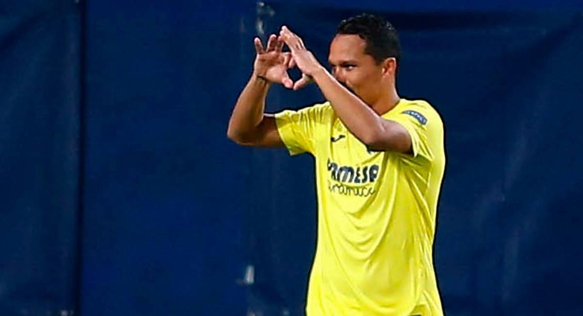 Carlos Bacca celebrando su gol en Europa League. Foto: EFE
