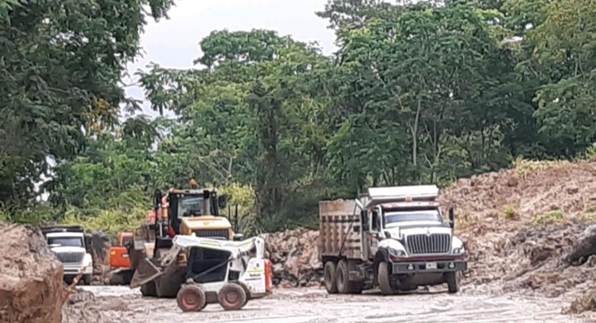 El punto más crítico del derrumbe es el sector de Mata de Cacao. Foto: Twitter @CRutadelCacao