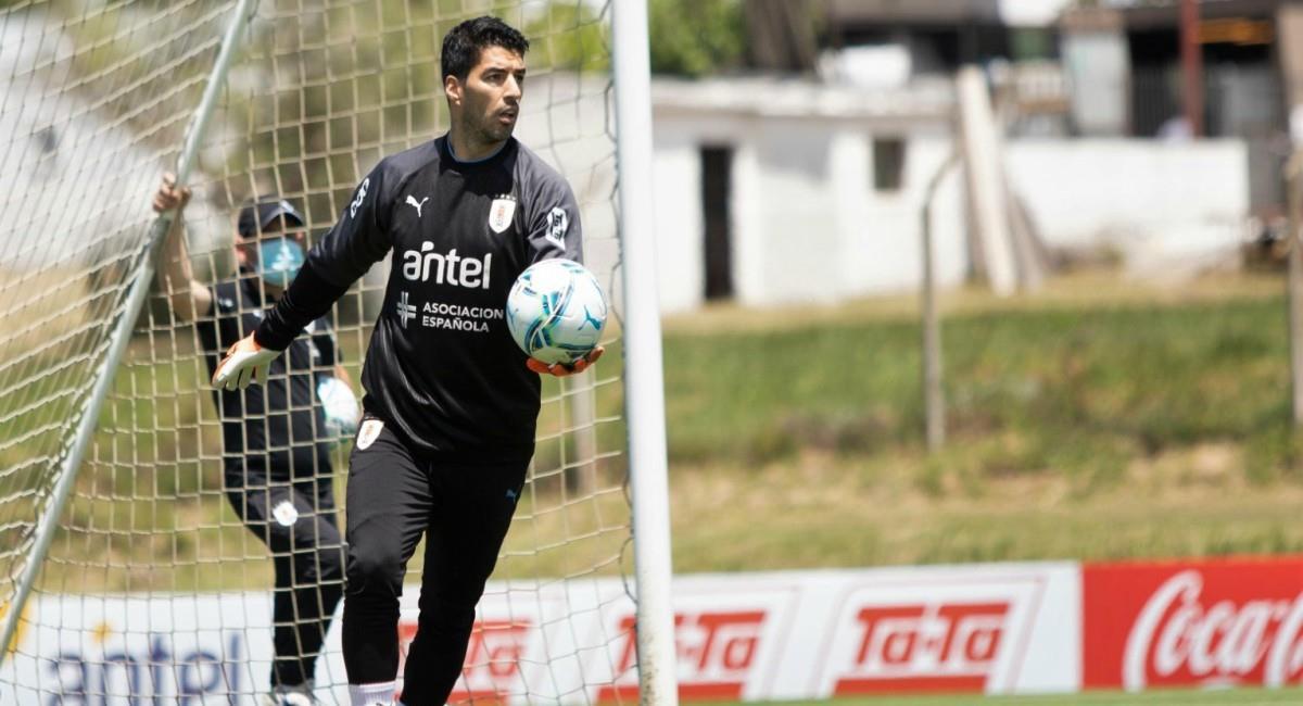 Luis Suárez da positivo por Covid-19. Foto: Twitter Prensa redes Selección de Uruguay.