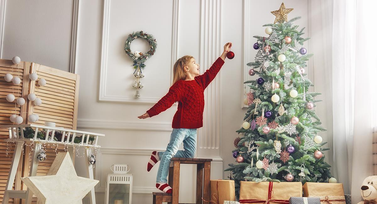6 consejos para decorar y lograr el árbol de navidad perfecto. Foto: Shutterstock
