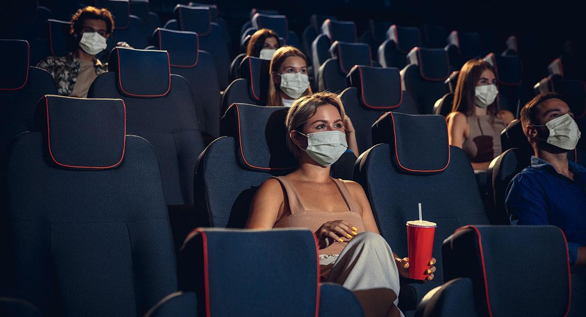 Las salas de cine deben contar con todos los protocolos de bioseguridad. Foto: Shutterstock