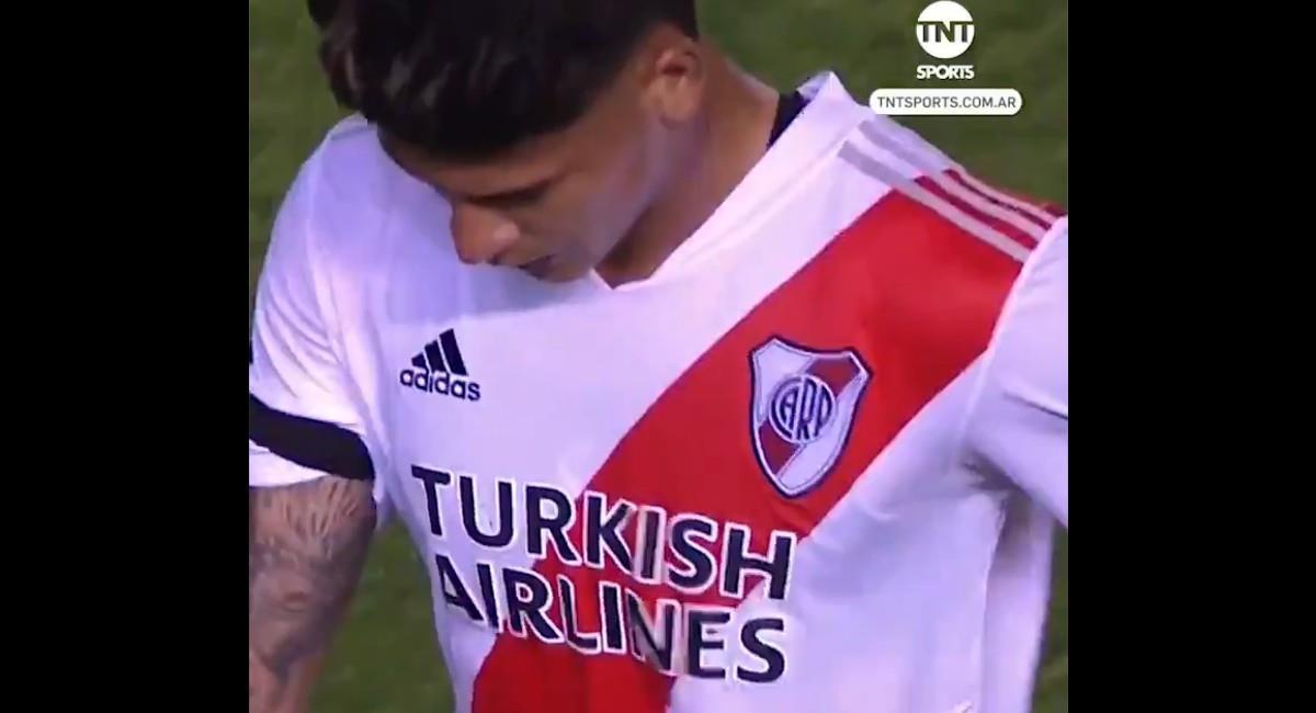 Jorge Carrascal expulsado ante Banfield. Foto: Twitter @TNTSportsLA