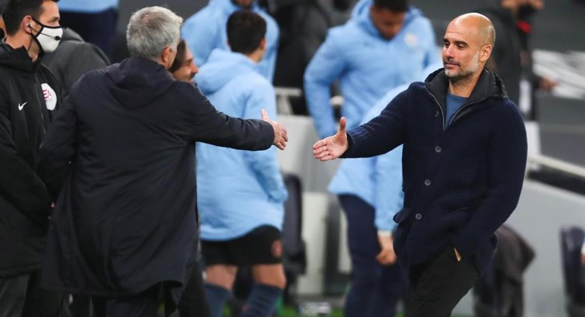 Mourinho en el partido ante el City de Guardiola. Foto: EFE
