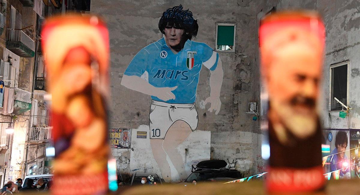 En ciudades como Nápoles ya se le realizan homenajes a Diego Armando Maradona. Foto: EFE