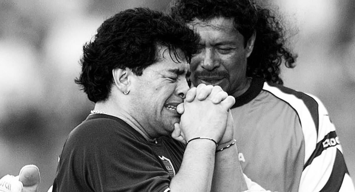 René Higuita junto a Maradona. Foto: Twitter @higuitarene