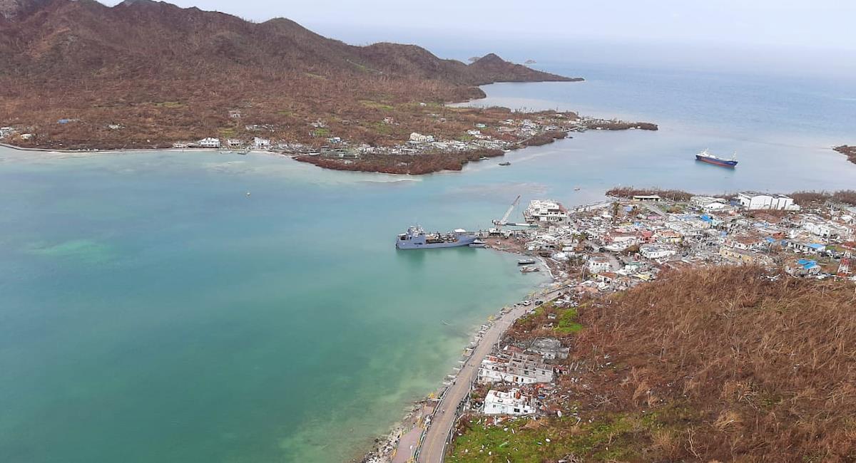 Las ayudas humanitarias nacionales e internacionales siguen llegando a San Andrés. Foto: Twitter @thearchipielago