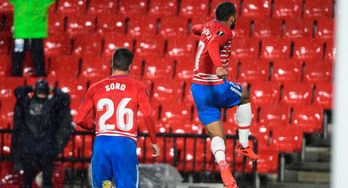 Luis Suárez celebra su anotación ante Omonia Nicosia en Europa League. Foto: EFE