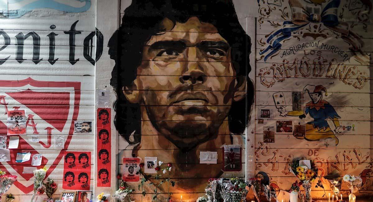 Ofrenda floral a Maradona en el estadio de Argentinos Juniors. Foto: EFE