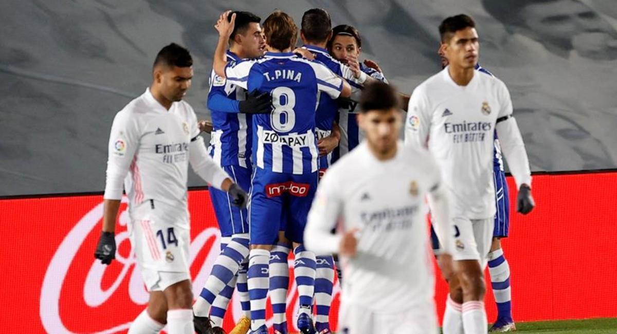 Real Madrid perdió 2-0 ante Alaves en LaLiga. Foto: EFE