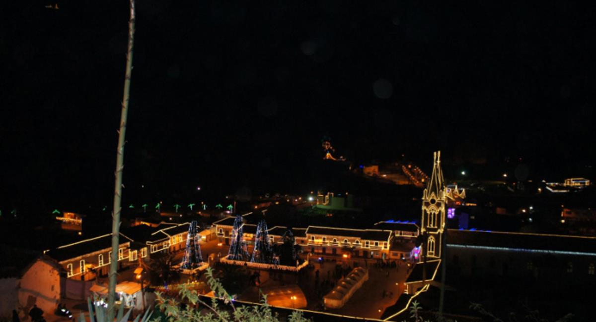 Pueblitos como Duitama, Jenesano y Chinavita son los que tendrán iluminado navideño. Foto: Twitter