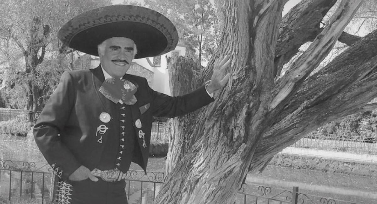 Aunque se retiró de los escenarios en el 2016, el cantante de música mexicana sigue haciendo historia. Foto: Instagram