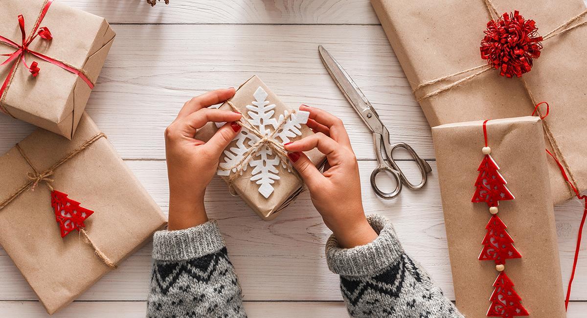 Increíbles ideas para sustituir el papel regalo en Navidad. Foto: Shutterstock
