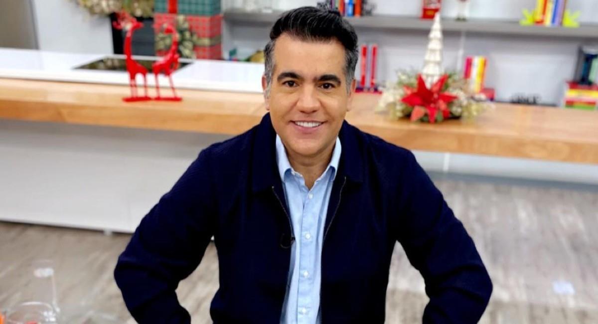 Carlos Calero, presentador del programa Día a Día. Foto: Instagram @carloscalero29