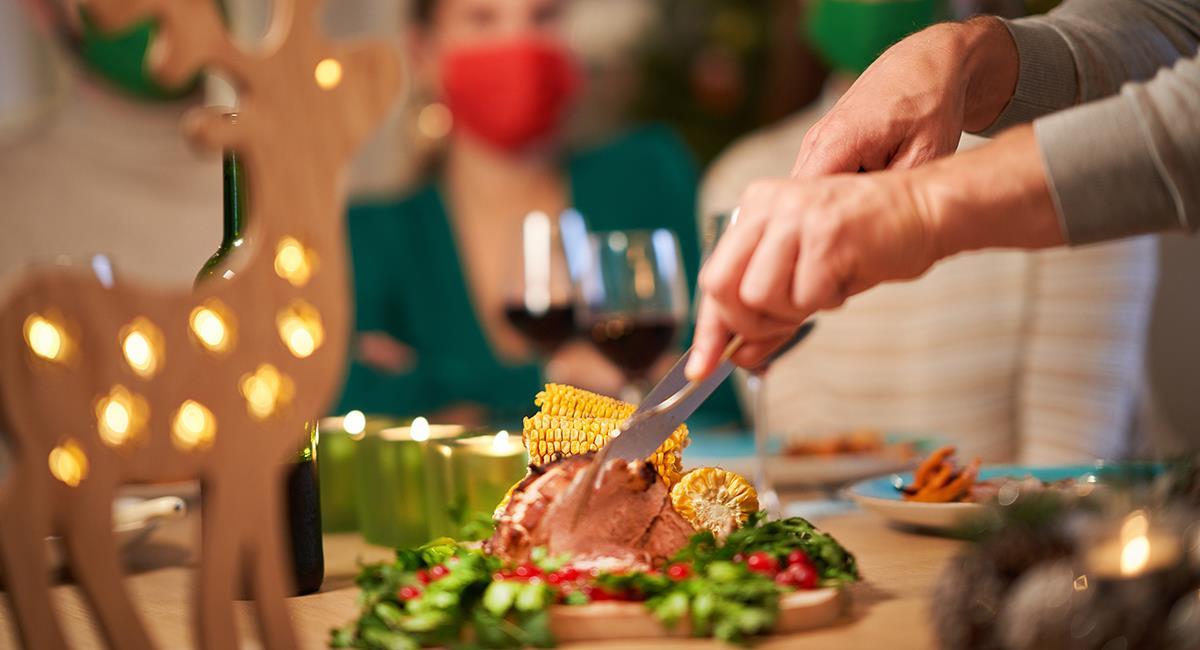 5 cuidados para la hora de la cena en la novena navideña. Foto: Shutterstock