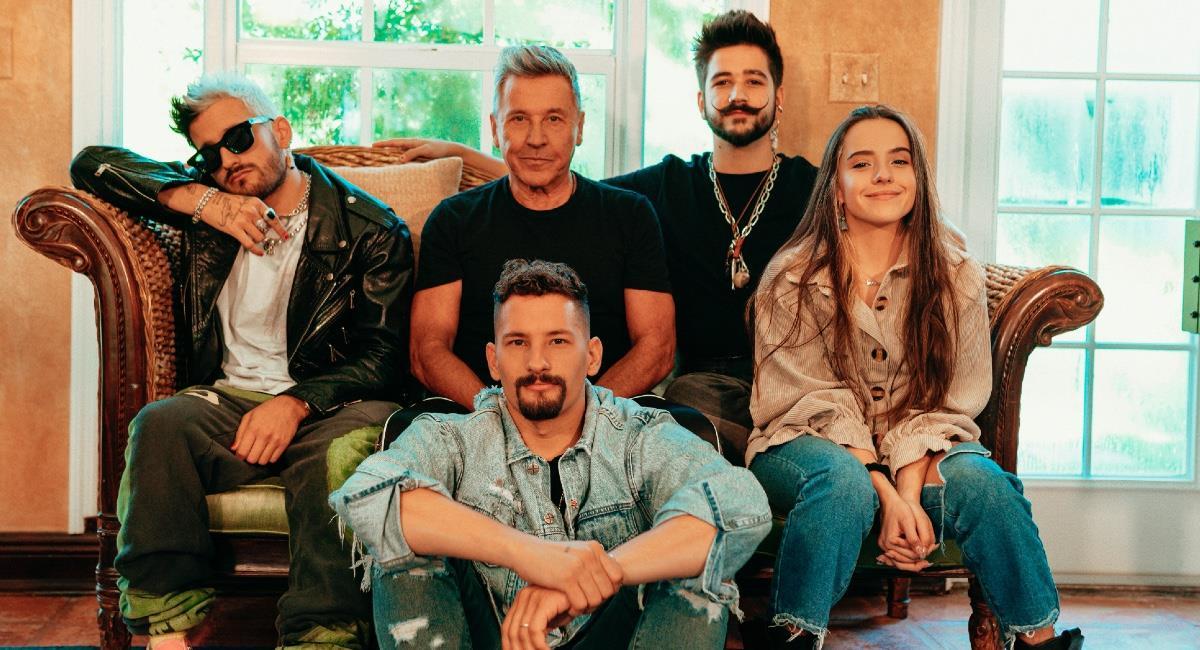 La canción fue compuesta por los 5 artistas. Foto: EFE