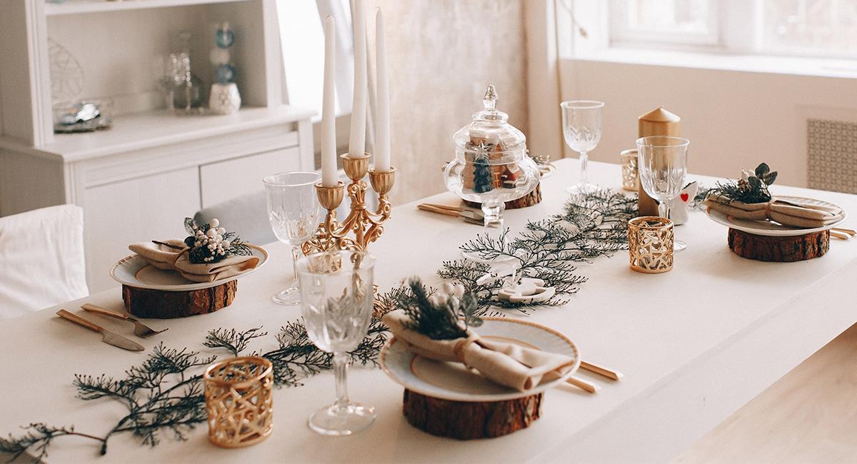 5 increíbles consejos para decorar la mesa para la cena de Navidad. Foto: Shutterstock
