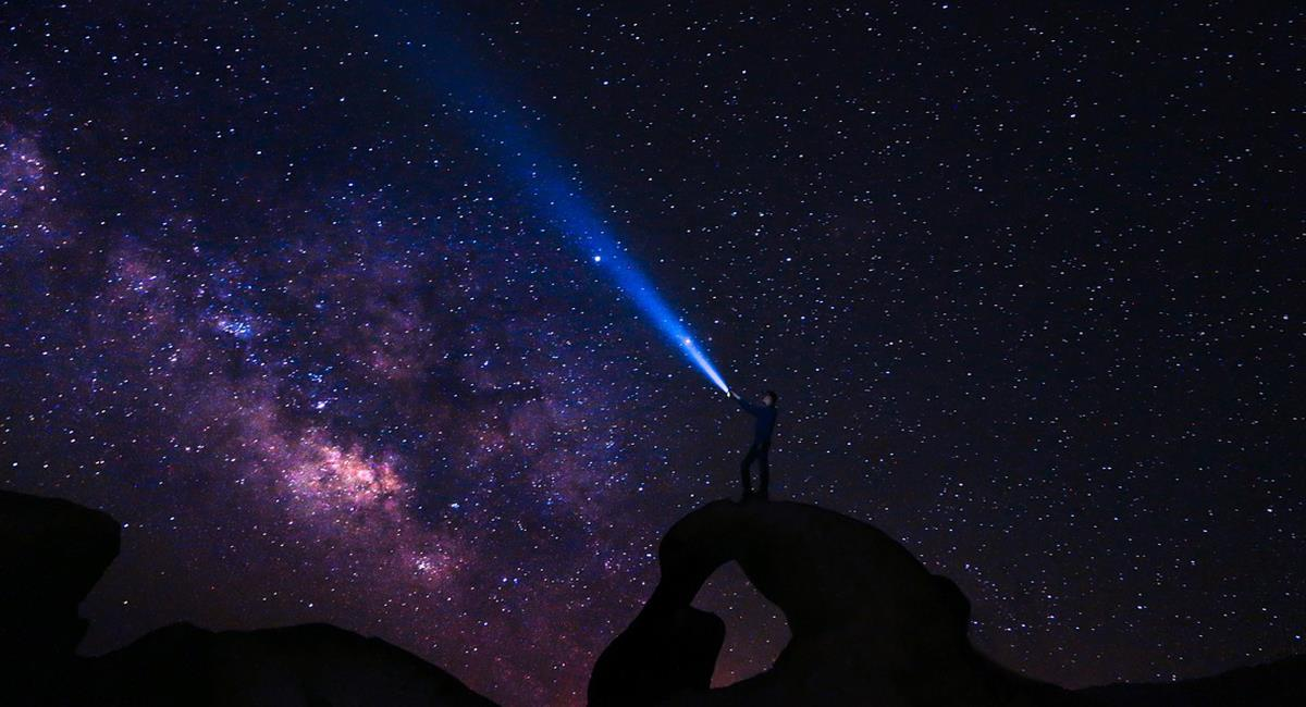 Los ufólogos han coincidido en que las 'razas' extraterrestres son unos supuestos seres de luz. Foto: Pixabay