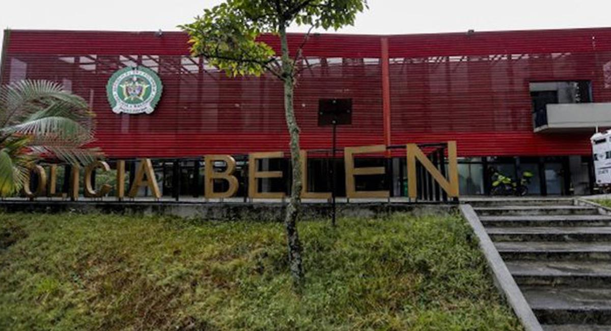 Los 22 policías capturados por corrupción en la ciudad de Medellín estaban adscritos a la estación de Belén. Foto: Twitter @QuintoHector