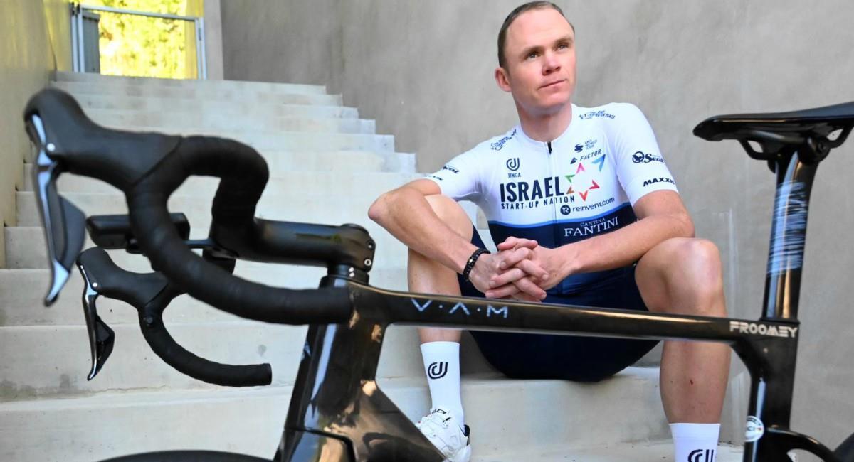 Chris Froome va en búsqueda de un Tour de Francia más. Foto: Twitter Prensa redes Israel Start-Up Nation.